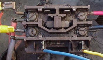 wiring diagram instructions com if your contactor looks like the single pole contactor below burnt or pitted contacts then you need a new contactor the picture below is a single
