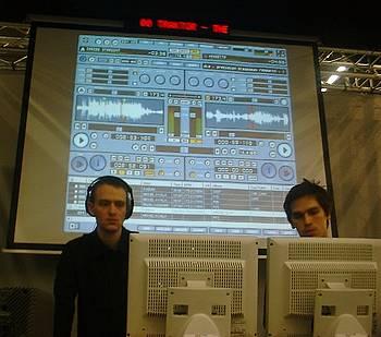 Musikmesse Frankfurt, Kabuki and Miguel Ayala rock Traktor